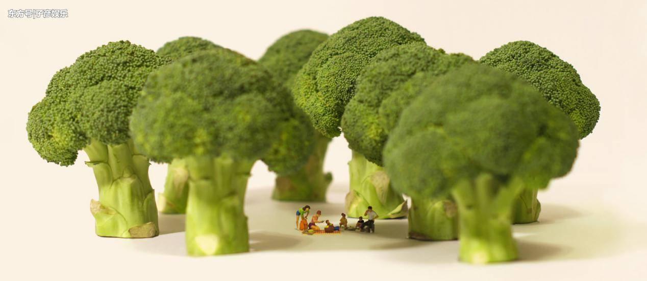 该图片来自田中达也的微型日历网站miniature-calendar.com